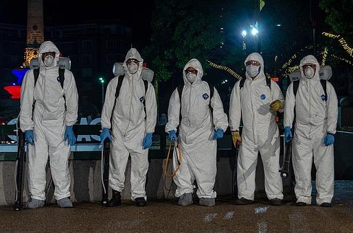 5[숫자] 감염 거리 건강 검역 관중 국가 긴급 깨끗함 남자 도시 라틴 미국 미생물학 바이러스 베네수엘라 병원체 사람 새로움 생물학 세균 소독 씻기 위기 위험 유행병 의약품 의학 조작 지저분함 질병 카라카스 코로나19 코로나바이러스 폐렴 해외포토